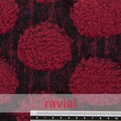 POPPY 203. Tissu en fourrure synthétique poils en combinaison avec court et long à pois fins.