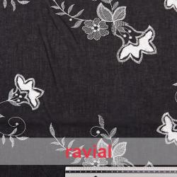 BORDADO 13. Embroidered batiste fabric with cotton thread.